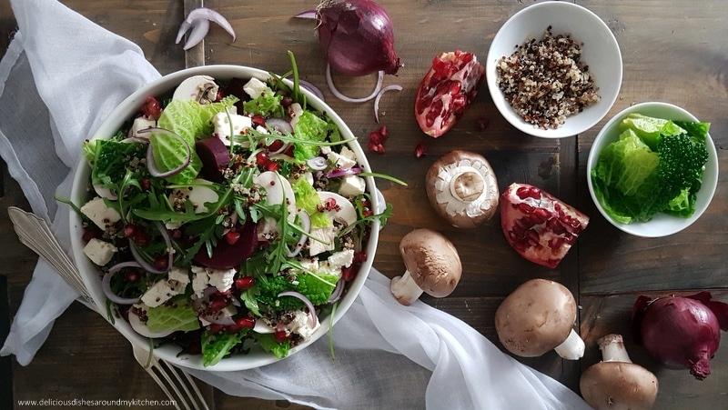 zum sommer ein salat mit frischen erbsen rucola tomaten und johannisbeeren delicious dishes. Black Bedroom Furniture Sets. Home Design Ideas