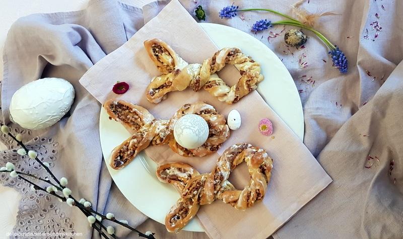 Feines zu Ostern- Hefeteig- Hasen gefüllt mit Dattel- Nussfüllung