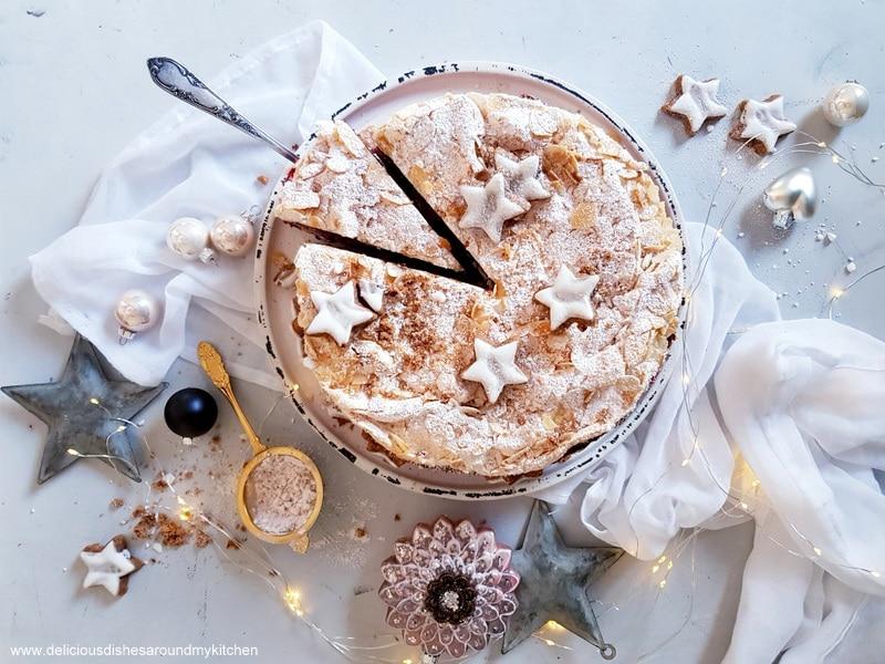 Schnee- Mousse- Torte mit Zimt und Glühweinkirschen
